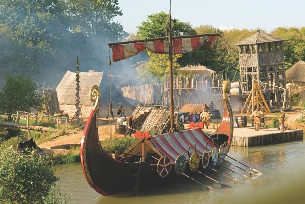 Viking Ship show at Puy Du Fou theme park, Vendee, France. Image shot 2008. Exact date unknown.